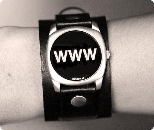 montre affichant www