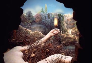 femme nue par la serrure